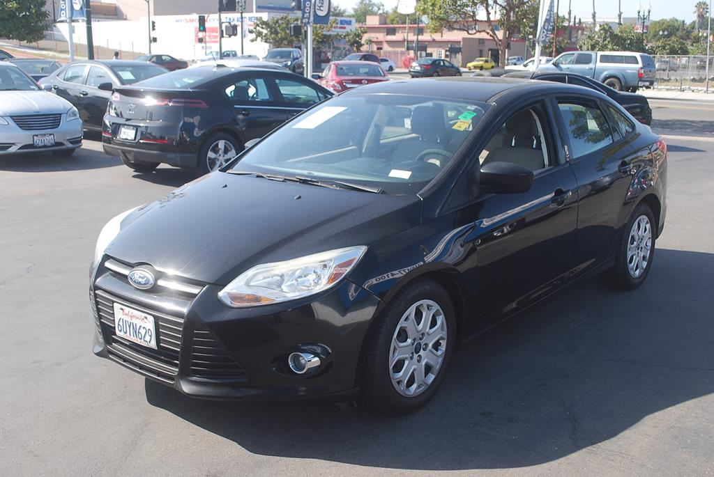 Pre-Owned 2012 Ford Focus SE Sedan 4D
