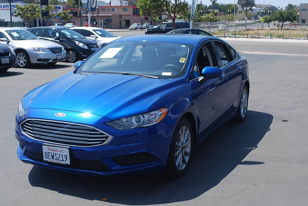 Pre-Owned 2017 Ford Fusion SE Hybrid Sedan 4D