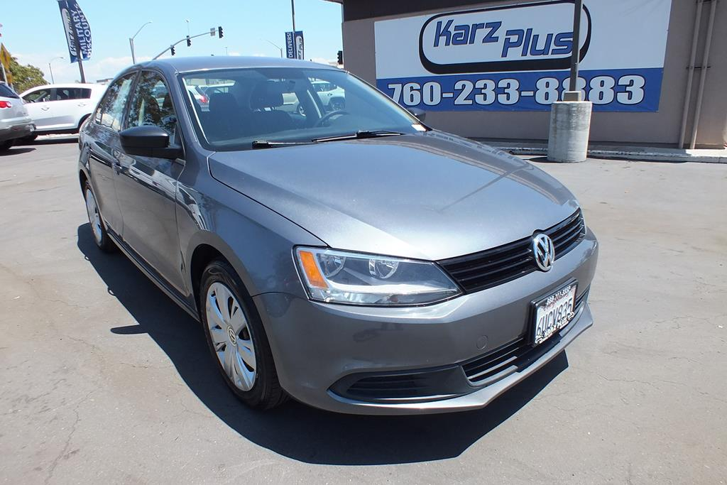 Pre-Owned 2012 Volkswagen Jetta Sedan 2.0L S Sedan 4D
