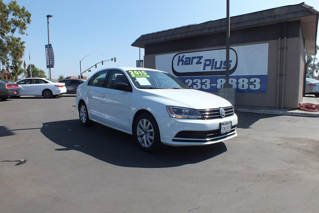 Pre-Owned 2015 Volkswagen Jetta Sedan SE PZEV