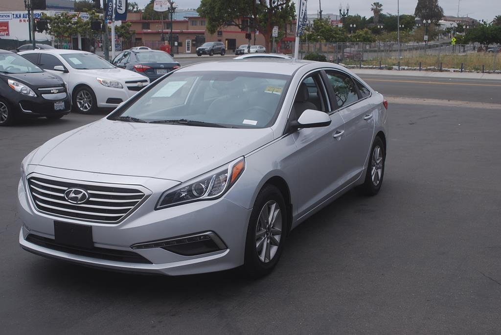 Pre-Owned 2015 Hyundai Sonata SE Sedan 4D
