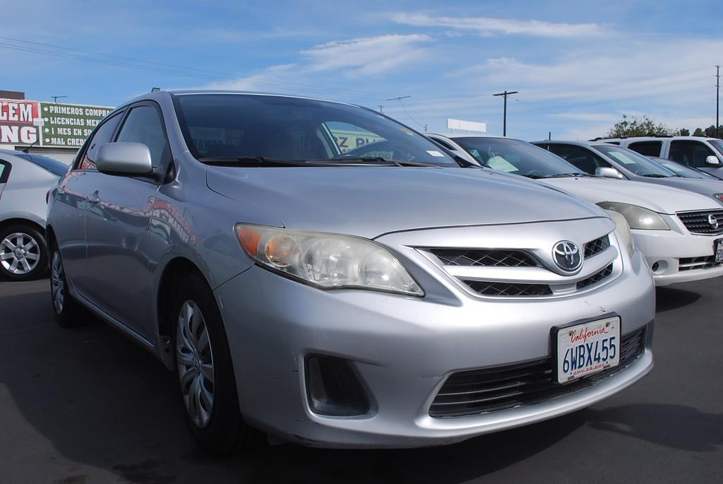 Pre-Owned 2012 Toyota Corolla LE Sedan 4D