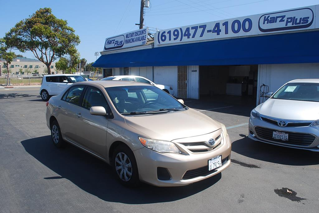 Pre-Owned 2011 Toyota Corolla Base