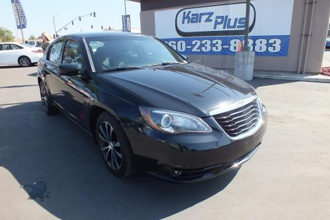Pre-Owned 2012 Chrysler 200 S Sedan 4D