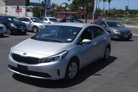 Pre-Owned 2017 Kia Forte LX Sedan 4D
