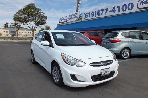 Pre-Owned 2017 Hyundai Accent SE Hatchback 4D